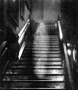 The Brown Lady dari Raynham Hall